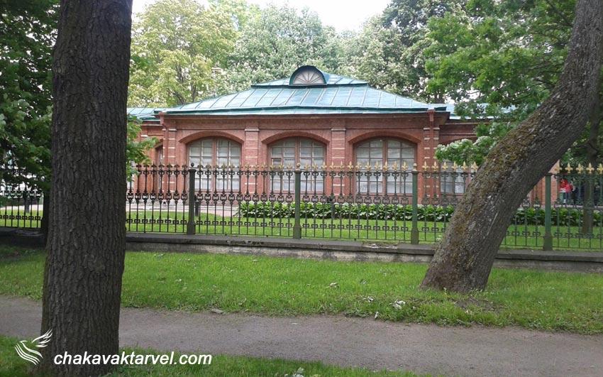 قصر کوچک سن پترزبورگ، کلبه پتر کبیر
