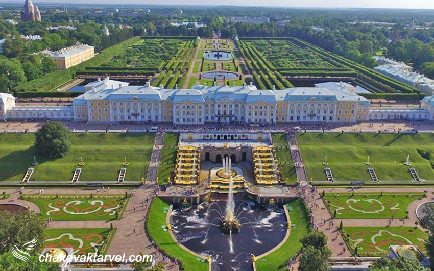 کاخ پترهوف با مجموعه عمارتها و باغهایش