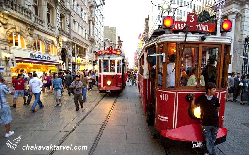 تراموا در خیابان استقلال استانبول ترکیه