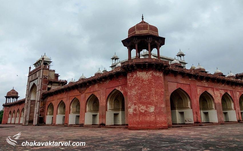 آرامگاه اکبر بزرگ سیکندرا در آگرا