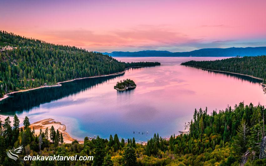 منظره زیبای غروب در دریاچه تاهو از خلیج زمرد Emerald Bay