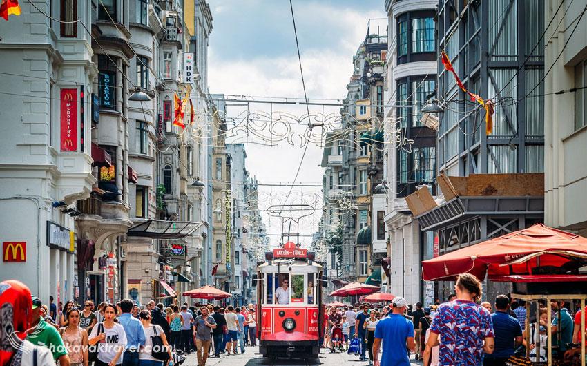 از مزایای سفر به ترکیه در فصل بهار گردشگر کمتری در این کشور می بینید