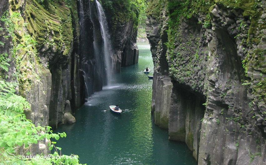 چرا از رودخانه رودخانه گوکاسه و تنگه تاکاچیهو بازدید کنیم؟
