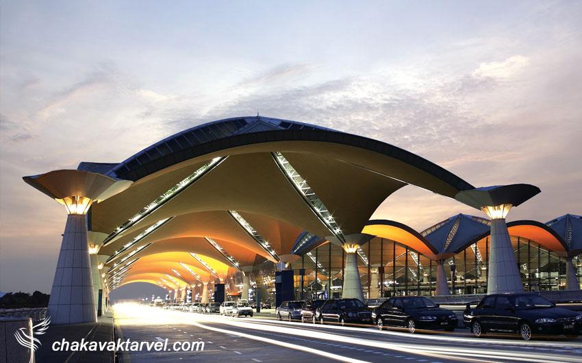 حمل و نقل خصوصی تاکسی و لیموزین در Kuala Lumpur International Airport حمل و نقل عمومی با اتوبوس مترو و قطار شهری در فرودگاه بین المللی کوالالامپور