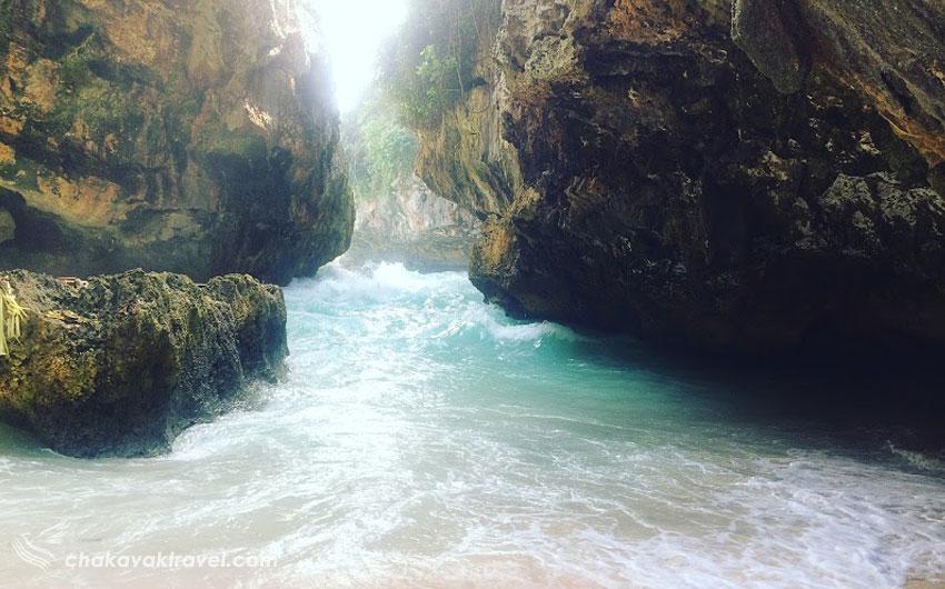 ساحل آبی نشان Blue Point Beach یا همان ساحل نقطه آبی بالی | Suluban Beach