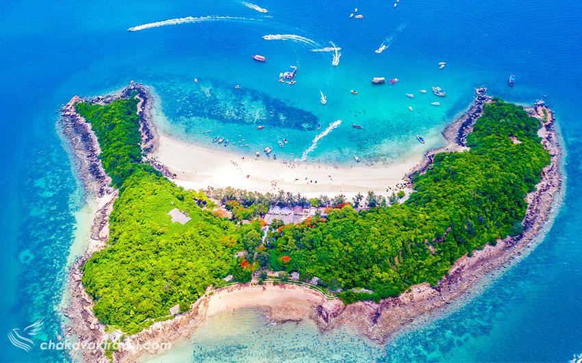 جزیره ساک Koh Sak در پاتایا تایلند جزیره کوه ساک نعلی شکل مقصدی محبوب و اختصاصی برای افراد سرشناس